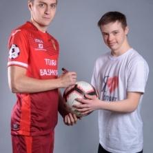 Заставка для - В Уфе состоится выставка фотографий игроков ФК «Уфа»с начинающими футболистами с синдромом Дауна!