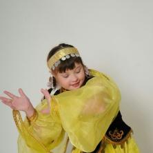 Заставка для - 19.05 отпраздновала свой 13ый день рождения Эльза!