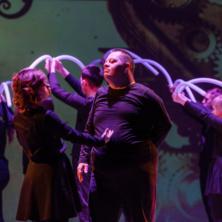 Заставка для - Ребята с синдромом Дауна и другими ментальными нарушениями выступили на сцене театра оперы и балета г.Уфы с премьерой спектакля «Без маски».
