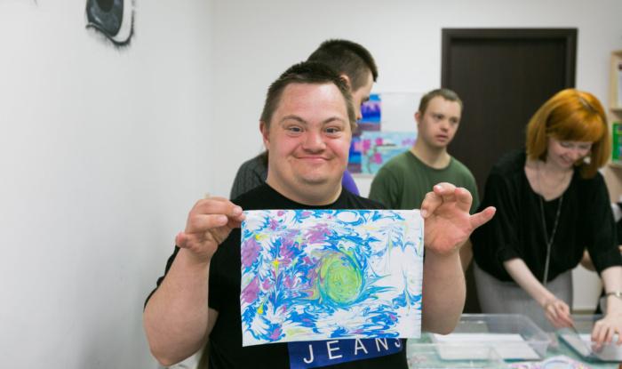 Заставка для - Для ребят с ОВЗ прошел мастер-класс по рисованию в технике эбру